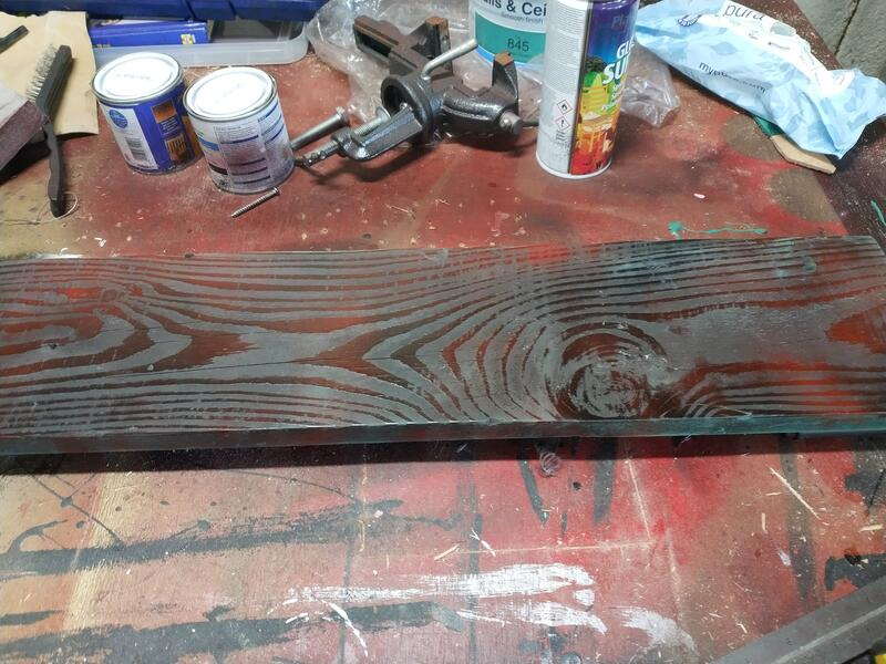 Mixing black and red spray