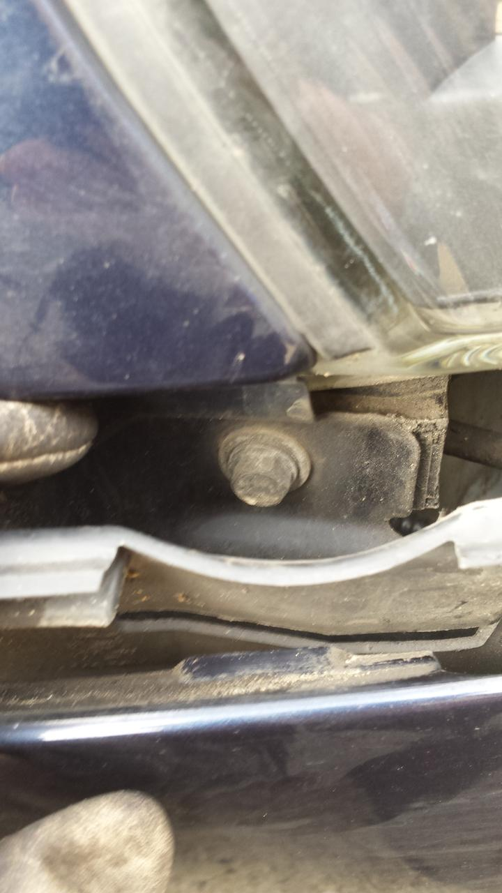 Headlamp Wing retaining bolt