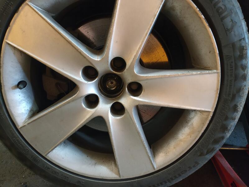 Wheel with centrecap removed