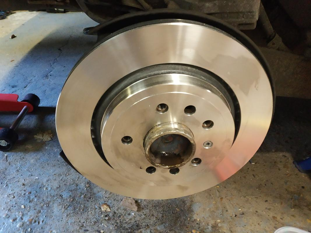One affixed disc